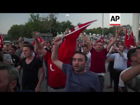 Thousands celebrate failed coup in Taksim Square
