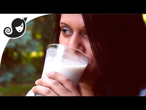 How-to Make Homemade Oat Milk (Recipe) - Quick & Easy