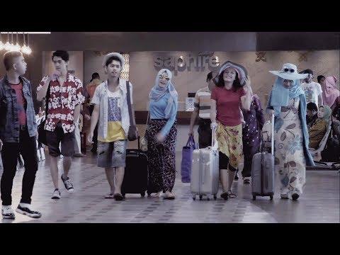 FLASH MOB ANGKLUNG BANDARA - Tim Muhibah Angklung