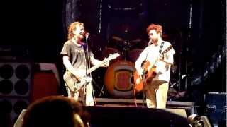 Eddie Vedder & Liam Finn - Throw Your Arms Around Me - Brisbane (November 25, 2009)