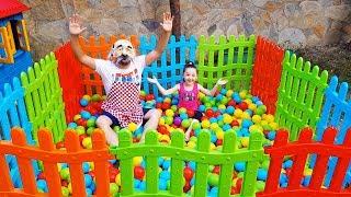 Öykü'nün Yeni Havuzu - Kids Ball Pool and Grandpa - Funny Oyuncak Avı