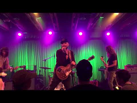 Wyves - School (Live at Crescent Ballroom 7/8/18)