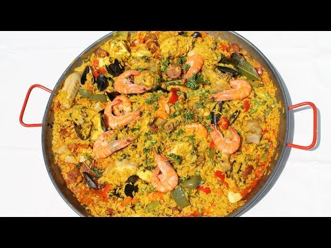 How To Make Paella: Delicious Spanish Rice With Seafood - Morgane Recipes