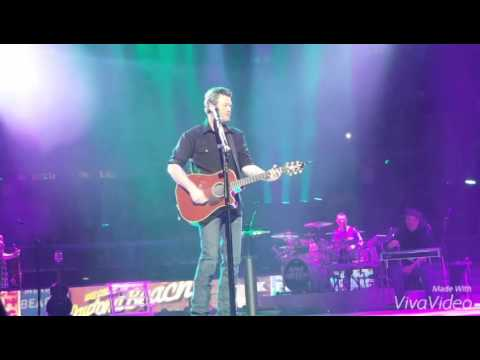Blake Shelton - Some Beach (Detroit, MI) 2016