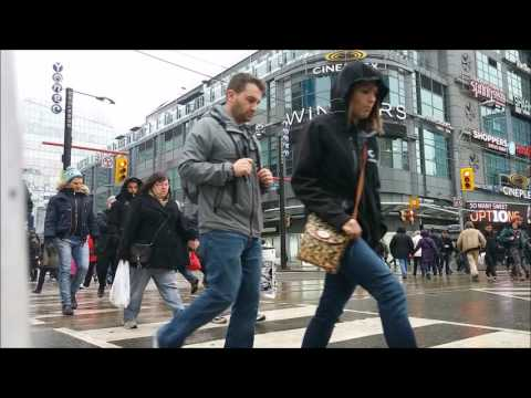 Timelapse Street Photography by Soroush Chehre-Negar Toronto Yonge and Dundas