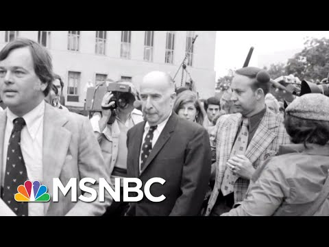 Lawrence: Who's Sleeping Better: Paul Manafort Or President Donald Trump? | The Last Word | MSNBC