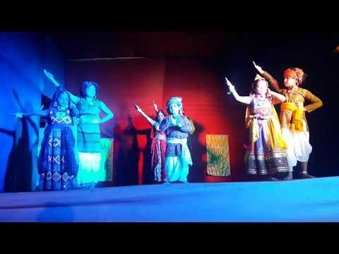 Mere desh ki dharti...ye desh hai veer jawano ka    patriotic Dance performance  