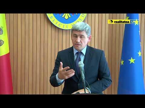 Alexandru Jizdan, despre șoferii care lipesc abțibilduri pe mașini