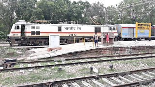 """WAP7 """"OJAS"""" with Nagpur Amritsar AC Express skipping Mathura Junction Station with 2 ICF Coaches"""