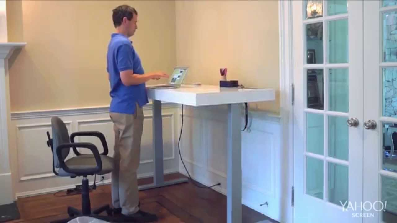 The Pogue Review: The Stir Kinetic Desk   YouTube