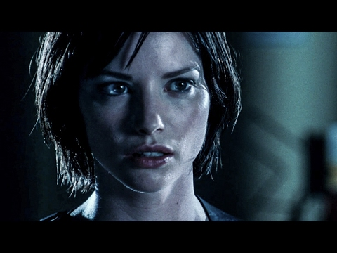 Sienna Guillory as Jill Valentine in Resident Evil Apocalypse