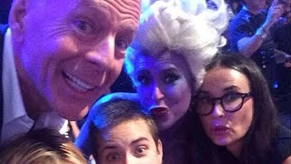 Bruce Willis and Demi Moore Pose for Rare Family Photo with Their Daughters