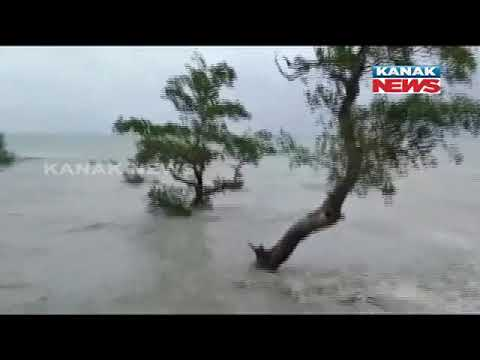 Cyclone Amphan: Strong Winds And Rough Sea Condition In South 24 Parganas