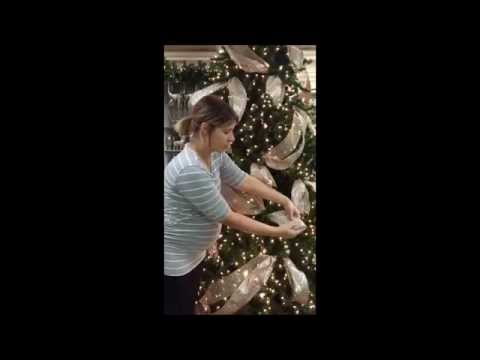 Christmas Mesh Wreath 2015 with Anna from YouTube · Duration:  13 minutes 26 seconds