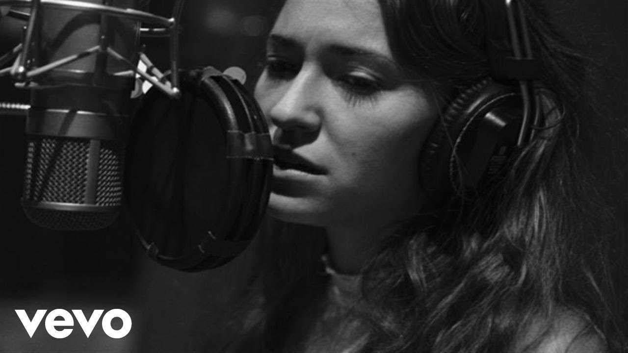 Lauren Daigle - Have Yourself A Merry Little Christmas - YouTube