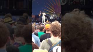 "LEON BRIDGES - ""Outta Line"" - Jazzfest (4/28/17)"
