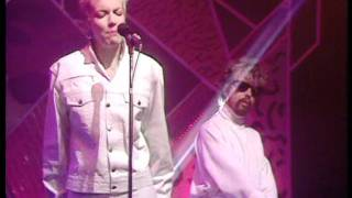 There Must Be An Angel (Playing With My Heart) - Eurythmics @ TOTP in 1985