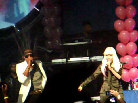 Kanye West feat Nicki Manaj - Monster (Live at the Hammerstein Ballroom)