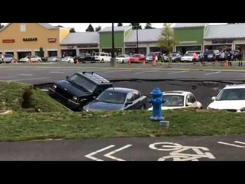 Sinkhole takes cars at Lancaster County outlet mall parking lot