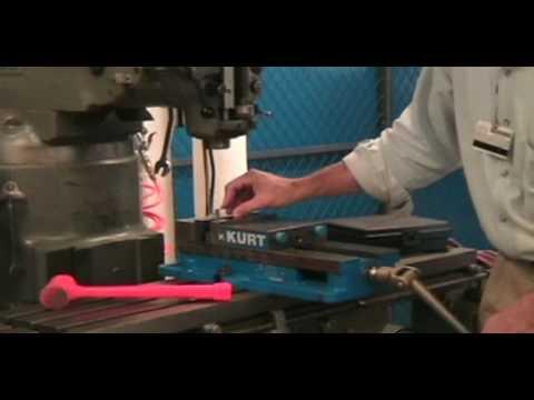 Setting up a Manual Milling Machine