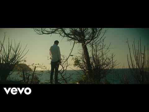 Смотреть клип Luis Coronel - Una Historia Más