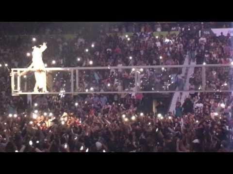 RIHANNA FT. TRAVIS SCOTT WOO LIVE ATLANTA 5-18-16 ANTI WORLD TOUR