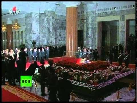 Kim Jong-Il in glass coffin: First video of farewell ceremony in North Korea