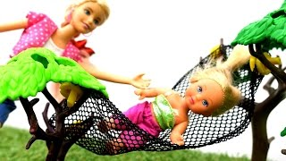 Барби и Кен идут в поход с Штеффи. Игры Барби для девочек.