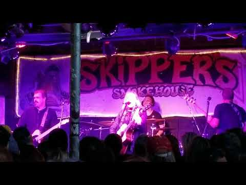 The Betty Fox Band at Skippers Smoke House.