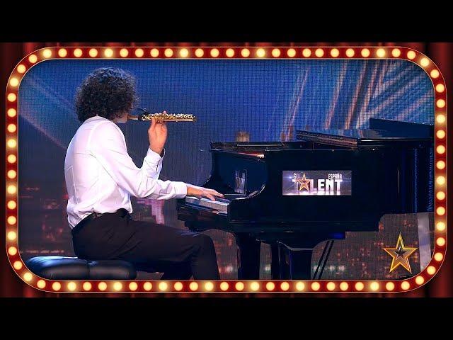 Este MÚSICO sorprende tocando 2 INSTRUMENTOS al MISMO TIEMPO | Inéditos | Got Talent España 2019