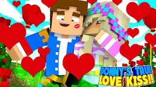 Minecraft TRUE LOVE || LEAH'S KISS BREAKS THE SPELL ON LITTLE DONNY!!