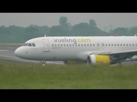 Strong Crosswinds at Birmingham International Airport 1/6/16