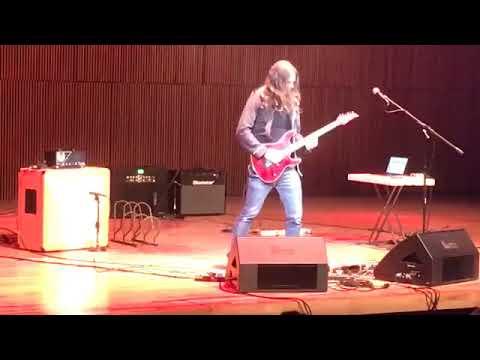 Kiko Loureiro guitar clinic @ 2000 Fingers Guitar Experience, CDMX 2017
