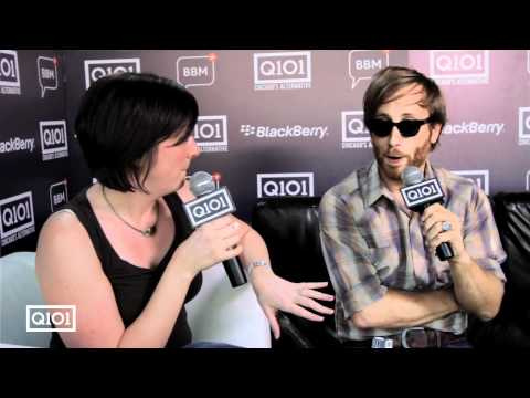Electra interviews Dan Auerbach of The Black Keys at Lollapalooza 2010