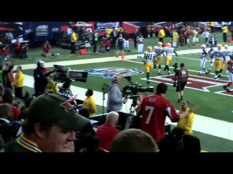 packers-falcons-nfc-playoff---01-15-2011---aaron-rodgers-rushing-td