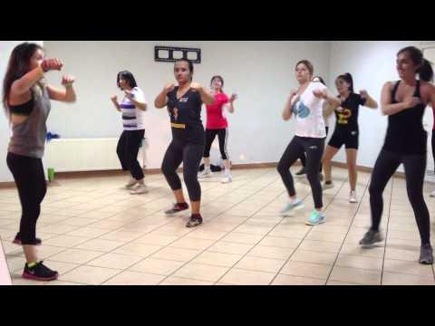 Clase Zumba® Fitness - Santiago de Chile - Edificio Altos de Santo Domingo - Noviembre 2013