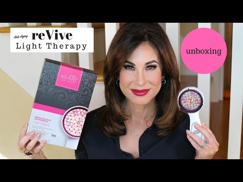 reVive ANTI-AGING LED Light Therapy  | UNBOXING