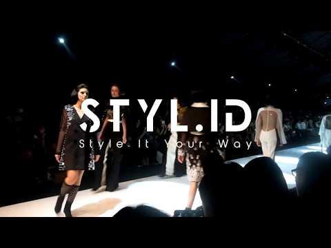 Dewi Fashion Knight 2017 - Jakarta Fashion Week 2018