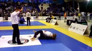 05 11 2016 девушки белые пояса 55 кг  Ирина Терещенко VS Юля Сороколетова