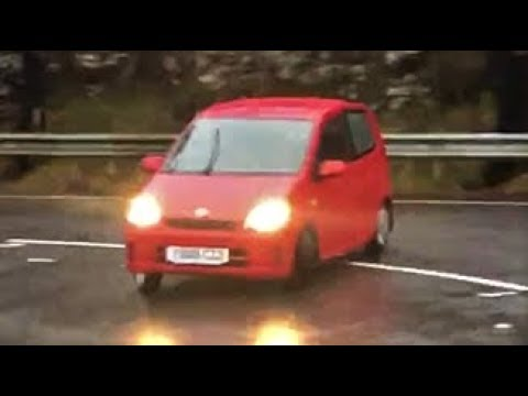 Daihatsu Charade review - drifting a 58bhp box