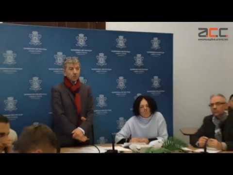 Інформаційне Агентство АСС: Скандал у ратуші через