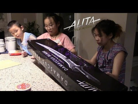 unboxing Alita Battle Angel Damascus blade movie prop Weta W