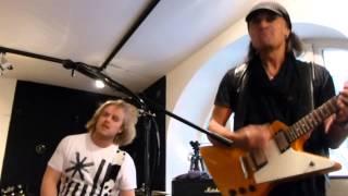 *Blizzard + Matthias Jabs (Scorpions) - Tease Me, Please Me* (01.03.2014, MJ Guitars, D-Munich)