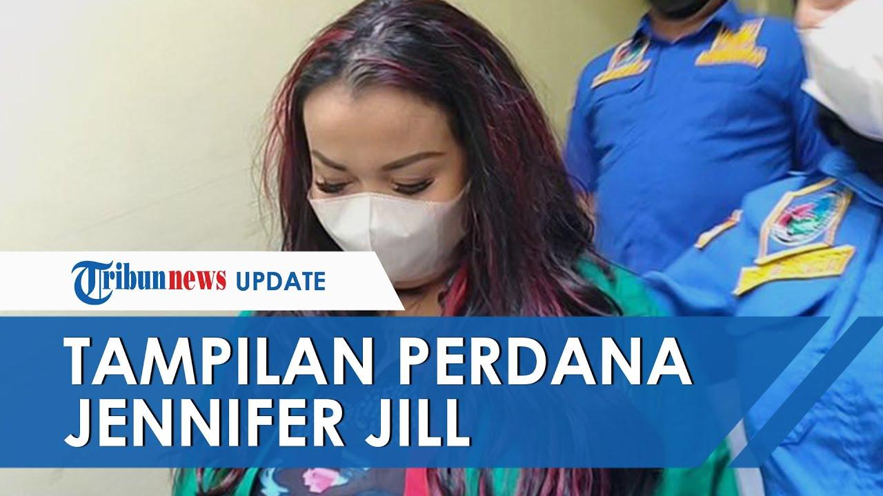 Penampilan Perdana Jennifer Jill seusai Jadi Tersangka Kasus Narkoba, Pakai Baju Tahanan & Minta