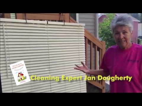 How to clean a venetian blind, without touching a blade.