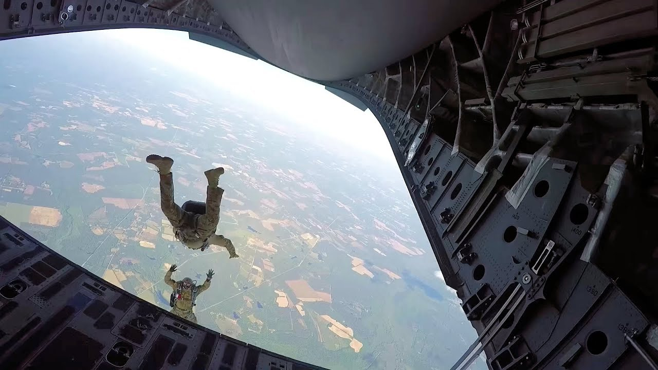 Airmen Conduct High Altitude, Low Open Jumps