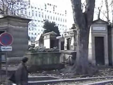 Montmartre Cemetery (Cimetiere de Montmartre)