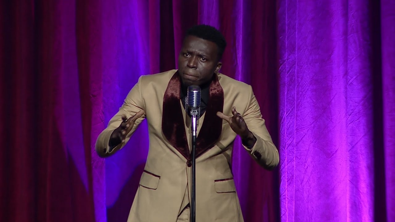 Download SEE WHAT COMEDIAN AKPORORO DID TO GHANA'S PRESIDENT