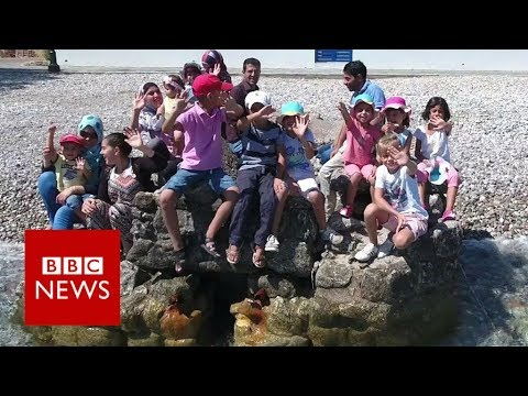The Greek island where Syrian refugees are welcome - BBC News