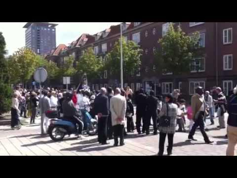 Christian color full parade Amsterdam Pijp- Pijnacjerstraat